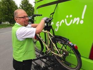 Viele Fernbusse nehmen auch das Fahrrad mit - aber  nicht alle, daher vorher fragen!
