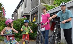 Sibylle Ehrke und Christian Eckert mit den beiden Töchtern Gunda und Karolin