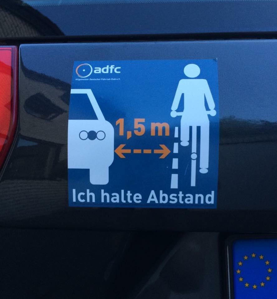 Autoaufkleber Abstand
