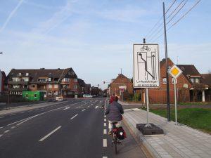 Neubaugebiet Ostara: Hier schafft die Stadt Platz für den Radverkehr und macht ihn sichtbar – richtig so!